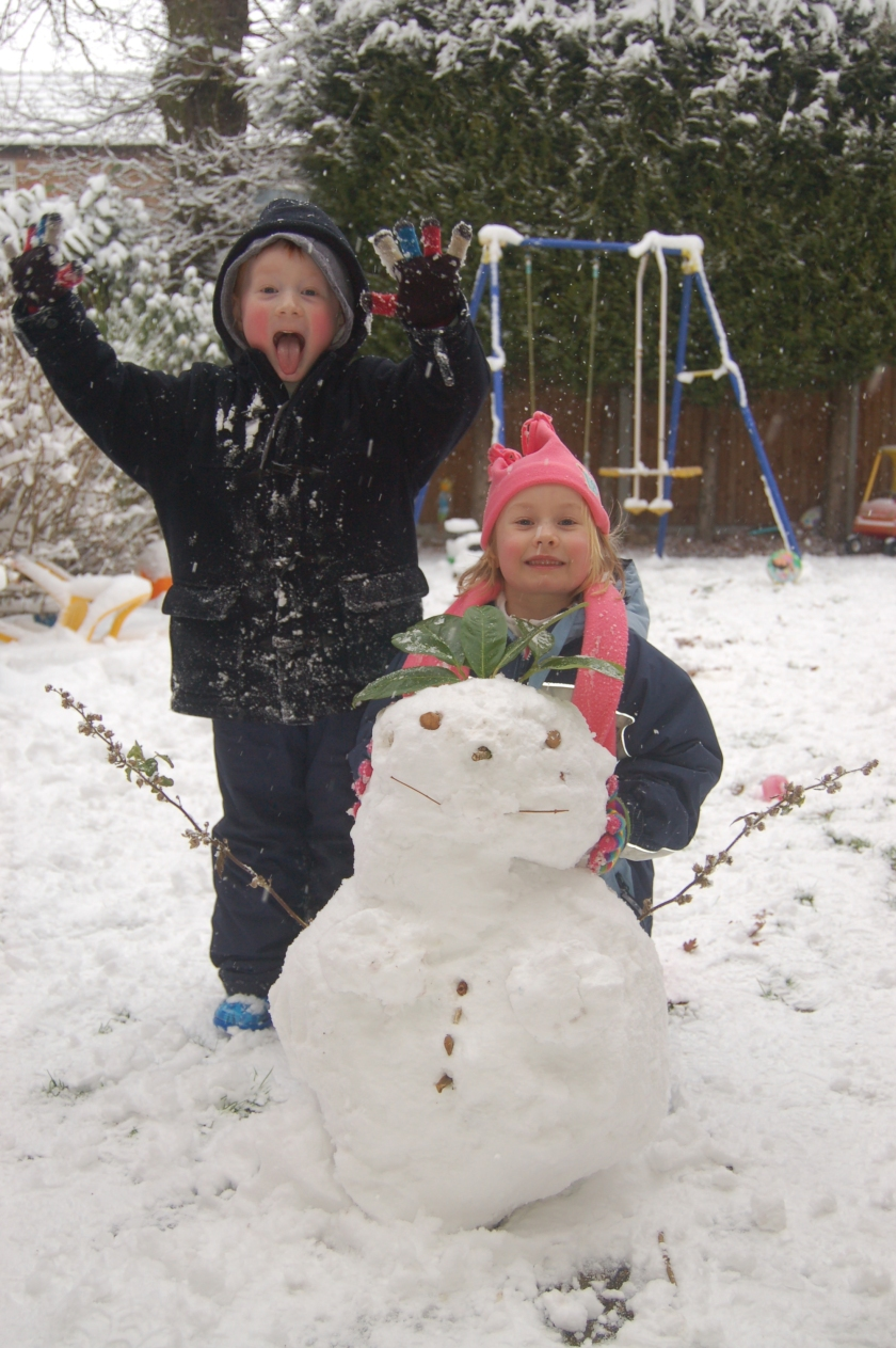Rebekah and Mark by the snowwoman, 2nd February 2009