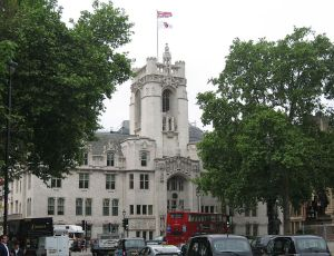 Middlesex Guildhall, location of the UK Supreme Court. Public Domain photo from Wikipedia.